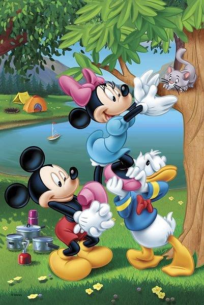 TREFL Puzzle Mickey Mouse  Piknik s Donaldem 60 dílků eab7e5711d2
